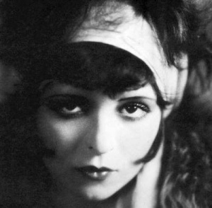 Clara Bow: a true Vamp
